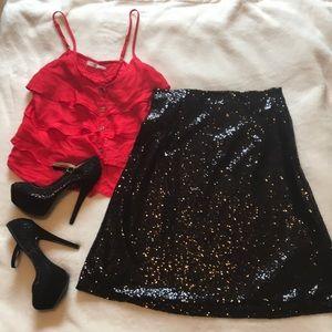 NWT 🔥Banana USA🔥 black sequin midi skirt